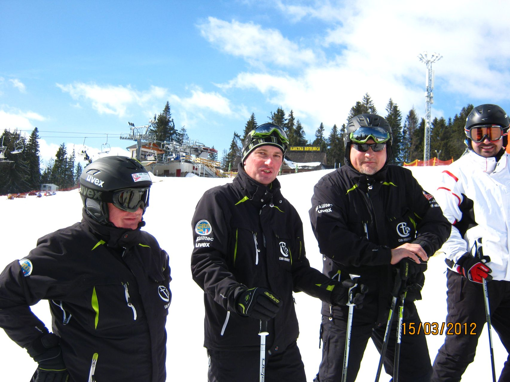 CarTourist_narty-snowboard_2012-foto-1