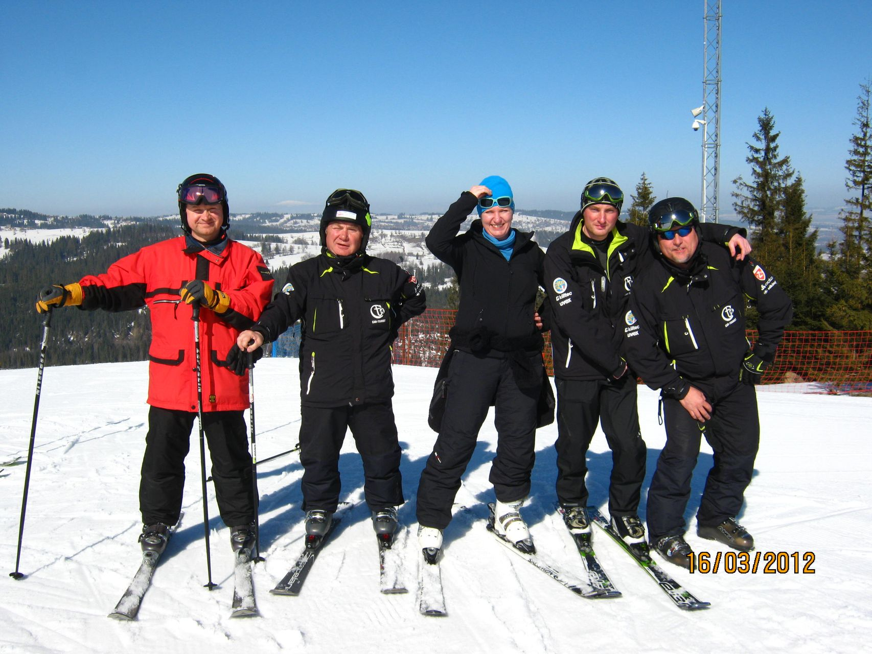 CarTourist_narty-snowboard_2012-foto-2